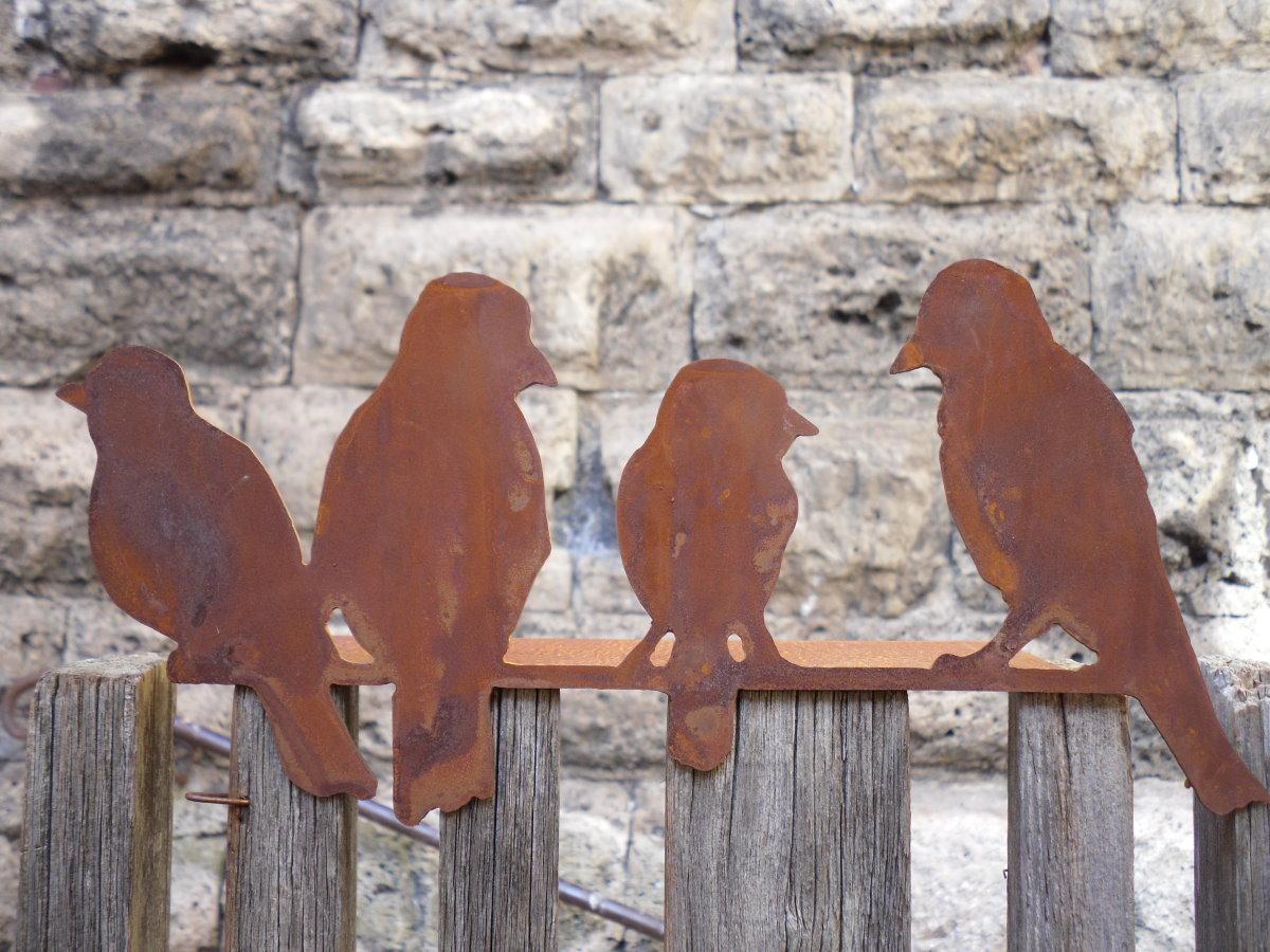 Kantenhocker 4 v gel aus metall a rost edelrost vogel for Gartendeko metall vogel